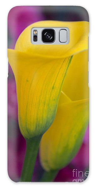 Calla Lily - Yellow Galaxy Case