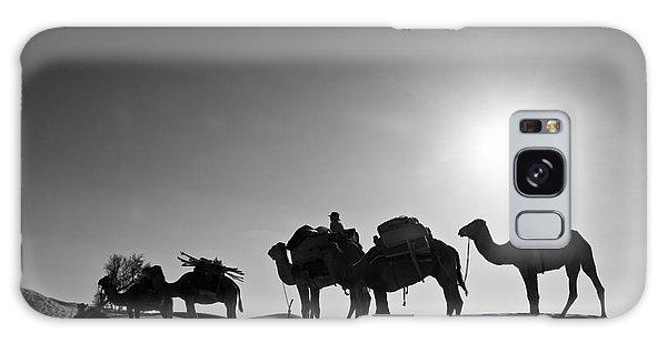 Caravan Galaxy Case - Camels by Delphimages Photo Creations