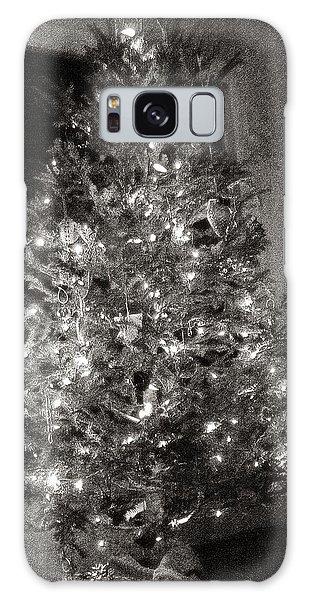 Christmas Tree Memories Monochrome Galaxy Case