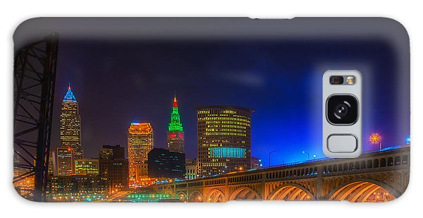 Cleveland Skyline At Christmas Galaxy Case