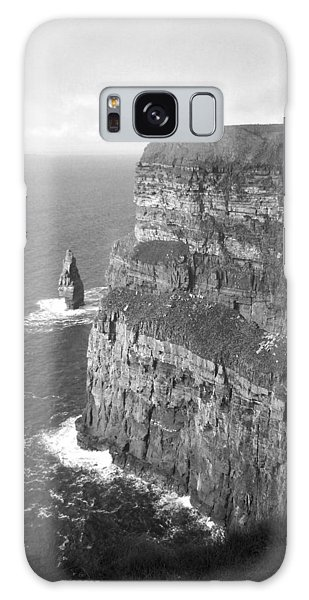 Cliffs Of Moher - O'brien's Tower B N W Galaxy Case