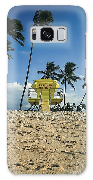 Desert View Tower Galaxy Case - Closed Lifeguard Shack On A Deserted Tropical Beach With Palm Tr by Edward Fielding