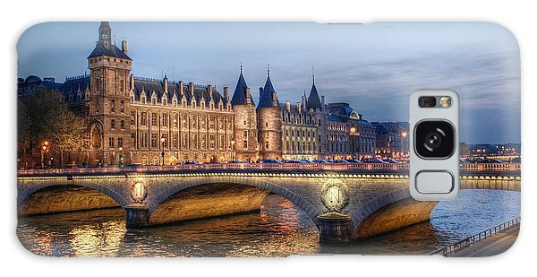 Conciergerie And Pont Napoleon At Twilight Galaxy Case