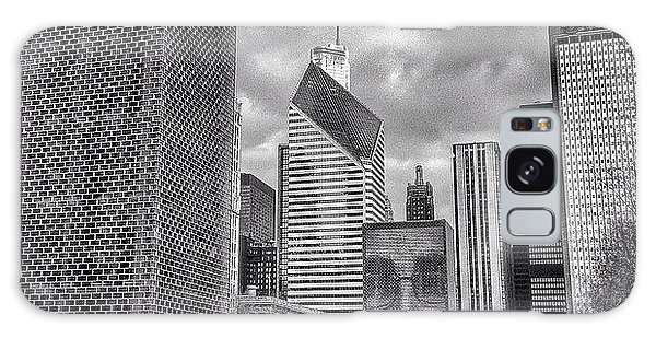 Architecture Galaxy Case - Chicago Crown Fountain Black And White Photo by Paul Velgos