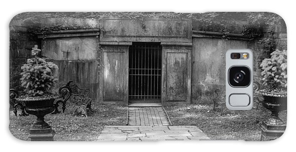 Crypt At Belle Meade Mansion Galaxy Case by Robert Hebert