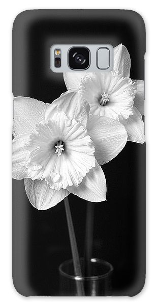 Daffodil Flowers Black And White Galaxy Case