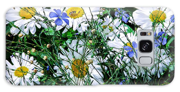 Daisies With Blue Flax And Bee Galaxy Case