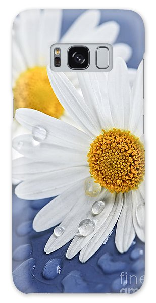Daisy Flowers With Water Drops Galaxy Case