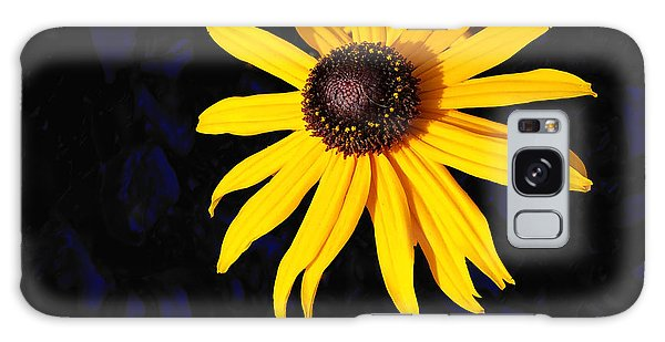 Daisy On Dark Blue Galaxy Case