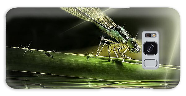 Damsel Dragon Fly  With Sparkling Reflection Galaxy Case
