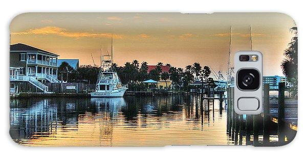 Dawn On A Orange Beach Canal Galaxy Case