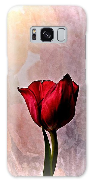 Deep Red Tulip On Pale Tulip Background Galaxy Case