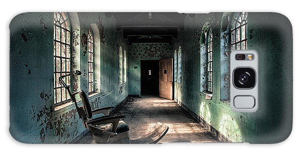 Galaxy Case featuring the photograph Dentists Chair In The Corridor by Gary Heller