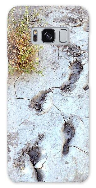 Desert Footprints Galaxy Case by Dan Redmon