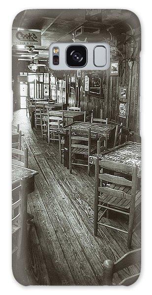 Table Galaxy Case - Dixie Chicken Interior by Scott Norris