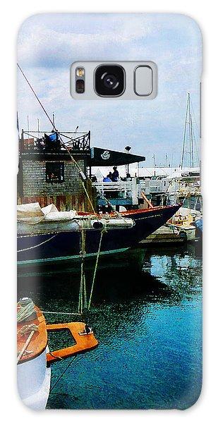 Docked Boats In Newport Ri Galaxy Case by Susan Savad