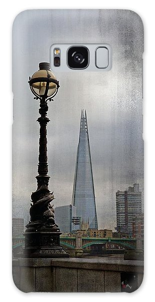 Dolphin Lamp Posts London Galaxy Case