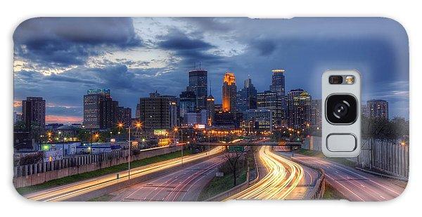 Downtown Minneapolis Skyline On 35 W Sunset Galaxy Case