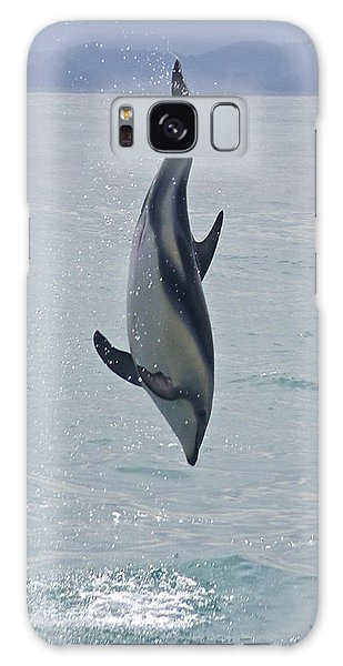 Dusky Dolphin, Kaikoura, New Zealand Galaxy Case by Venetia Featherstone-Witty