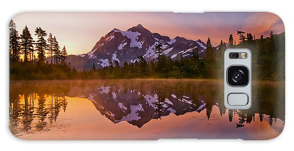 Sunrise Galaxy Case - Early Morning At Picture Lake by Darren  White