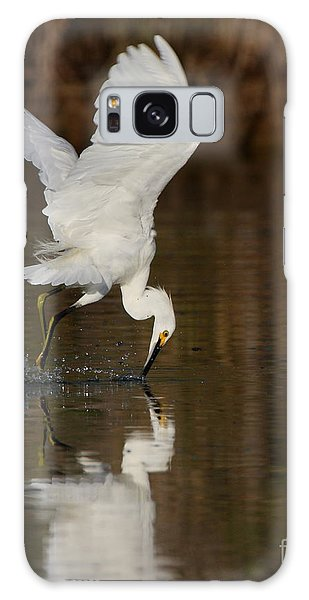 Egret Diving For Lunch Galaxy Case