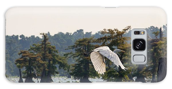 Egret In Flight Galaxy Case