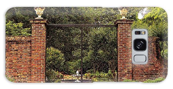 Elizabethan Gardens Galaxy Case
