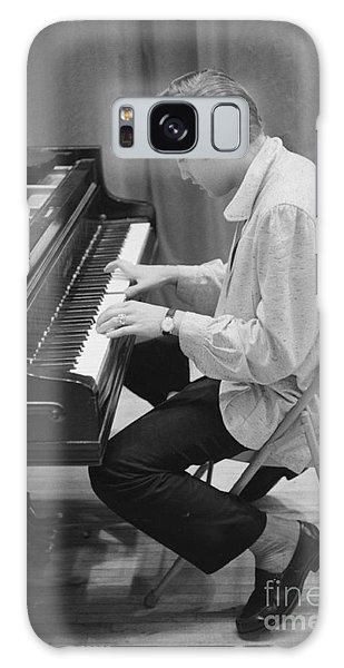 Elvis Presley Galaxy Case - Elvis Presley On Piano While Waiting For A Show To Start 1956 by The Harrington Collection