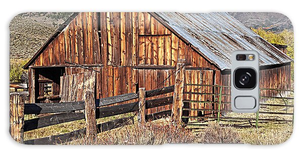 Fall Range Barn Galaxy Case