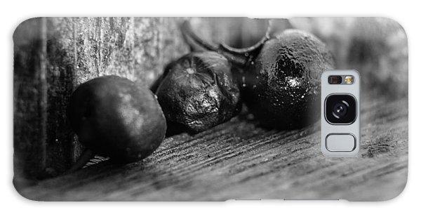 Fallen Berries Galaxy Case