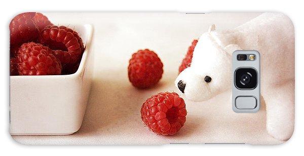 Feeding The Polar Bear Iv Galaxy Case