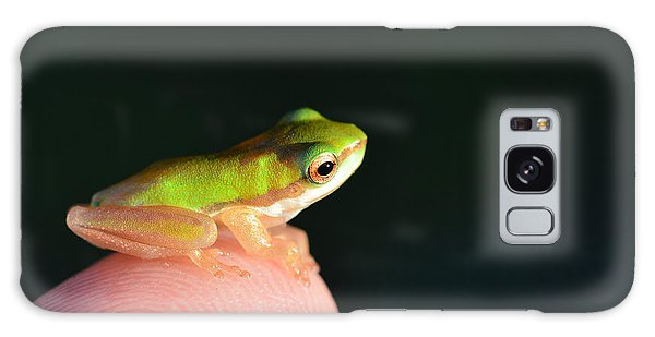 Finger Tip Baby Frog Galaxy Case