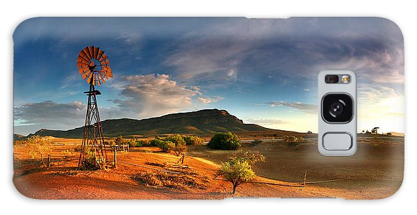 Outdoors Galaxy Case - First Light On Wilpena Pound by Bill  Robinson