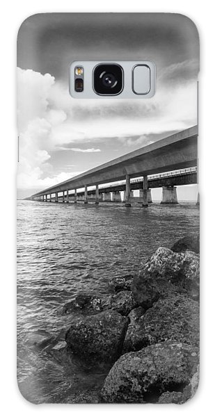 Florida Keys Seven Mile Bridge South Bw Vertical Galaxy Case