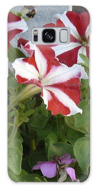 Flower Trios B Galaxy Case