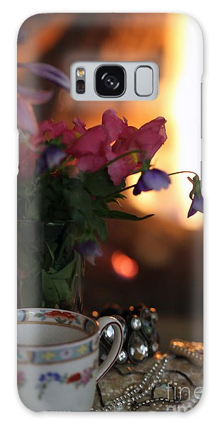 Flowers And Pearls Shabby Chic Wall Art Galaxy Case