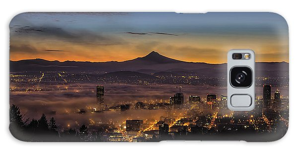 Fog Rolling In At Dawn Over The City Of Portland Galaxy Case