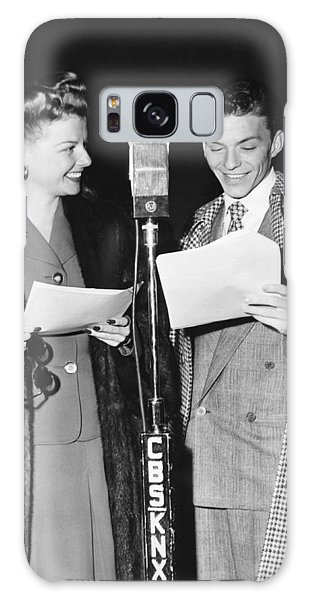 Paper Dress Galaxy Case - Frank Sinatra And Ann Sheridan by Underwood Archives