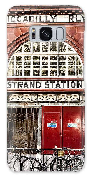Front To The Disused Strand Underground Station On The Piccadill Galaxy Case