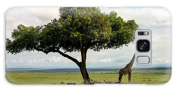 Giraffe And The Lonely Tree  Galaxy Case