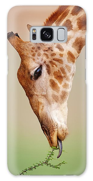 Close Up Galaxy Case - Giraffe Eating Close-up by Johan Swanepoel