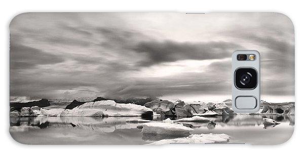 Glacier Lagoon II Galaxy Case by Frodi Brinks