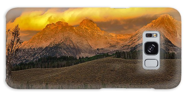 Osprey Galaxy S8 Case - Glowing Sawtooth Mountains by Robert Bales