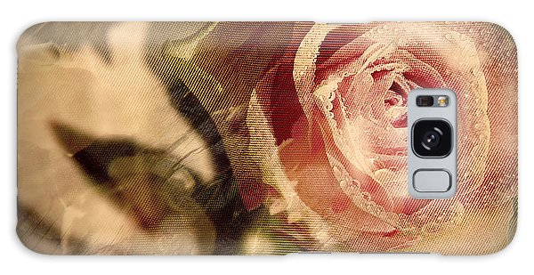 Gone With The Wind Romantic Rose Close-up Galaxy Case