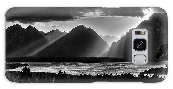 Teton Range Galaxy Case - Grand Teton Light Beams by Aidan Moran