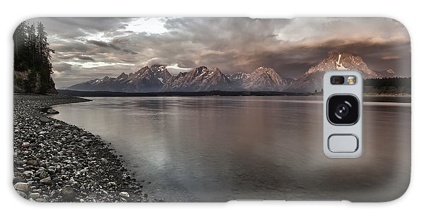 Grand Teton Mountain Range In  Grey And Pink Morning Sunlight Galaxy Case