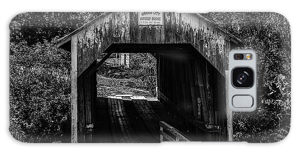 Grange City Covered Bridge - Bw Galaxy Case
