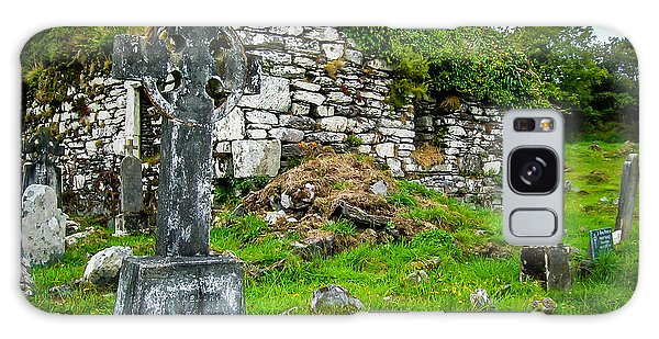 Graveyard And Church Ruins On Ireland's Mizen Peninsula Galaxy Case