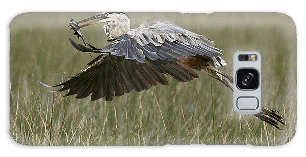 Great Blue Heron With Lunch Galaxy Case by Myrna Bradshaw