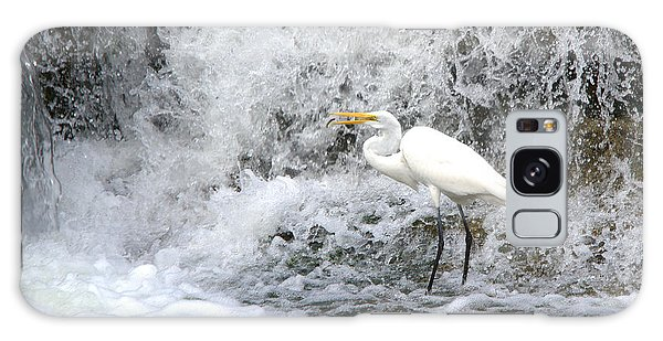 Great Egret Hunting At Waterfall Series 1 Galaxy Case